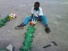 bloemen-maken-van-vuilnis14-jpg