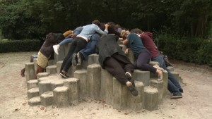 "Video still of ""naar de speeltuin"""